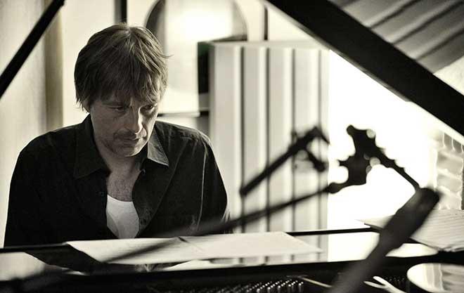 Jan Lundgren with Strings